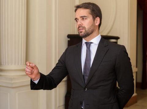 Governador apresenta propostas da Reforma Estrutural do Estado a deputados