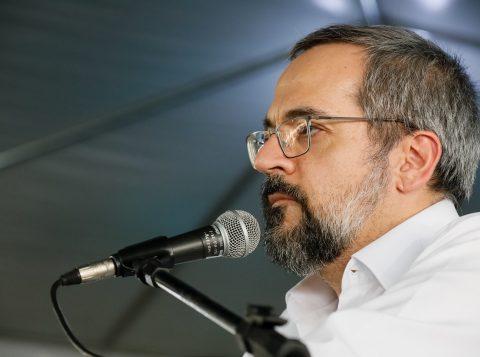 """Ministro da Educação afirma que proclamação da República foi """"infâmia"""" contra Pedro II"""