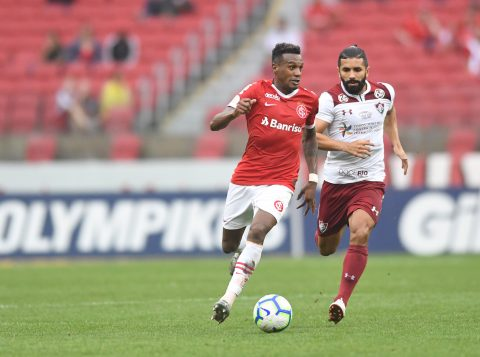 Edenilson cita dificuldades de jogo em Itaquera e pede Inter 'ligado' para enfrentar o Corinthians