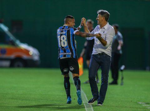 Renato abre 'exceção' e promete prêmio para o atacante Luciano após gol de bicicleta