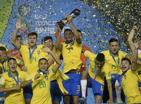 A Seleção Brasileira Sub-17 se tornou tetra campeã mundial da categoria ao vencer o México de virada por 2 a 1