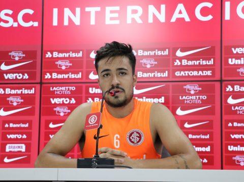 Heitor descarta torcida pelo Flamengo e fala em fazer o 'dever de casa' para alcançar vaga direta na Libertadores