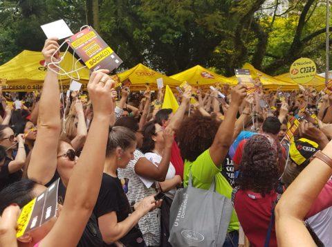 Professores da rede pública estadual do Rio Grande do Sul devem entrar em greve a partir desta segunda-feira