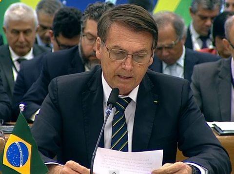 """""""Política externa tem olhos no mundo, mas o Brasil está em primeiro lugar"""", diz Bolsonaro no Brics"""