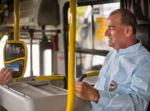 Manifestação contra o projeto de retirada dos cobradores de ônibus deve afetar o transporte público de Porto Alegre nesta quarta-feira