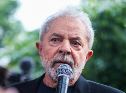 """Lula diz que o PT """"não pode aceitar a prevalência do discurso conservador"""" e criticou quem afirma que não se deve ensinar sobre sexualidade nas escolas públicas brasileiras"""