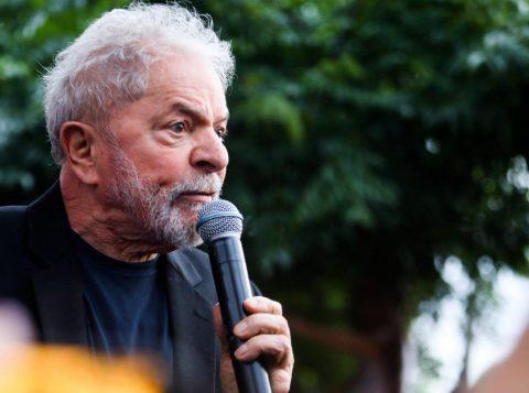 Lula ataca a Operação Lava-Jato e diz não ser pombo-correio para usar tornozeleira eletrônica