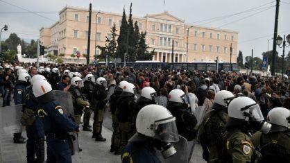 Mais de 30 mil pessoas protestam na Grécia contra governo de direita