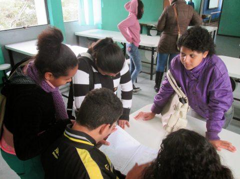 Comunidades de Porto Alegre e do interior pedem ajuda para manter escolas que atendem crianças em situação de alta vulnerabilidade