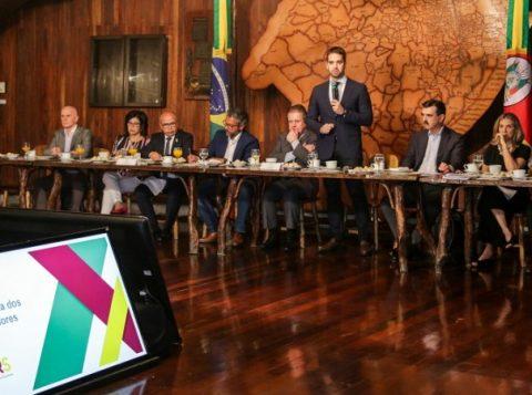 Pacote do governador Eduardo Leite prevê economia de R$ 25,4 bilhões em 10 anos