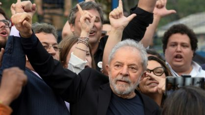Lula inicia no Nordeste a série de viagens que pretende fazer pelo Brasil