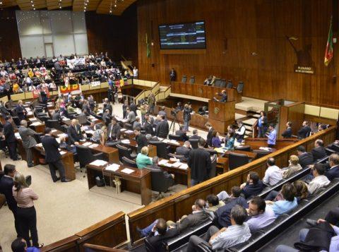 Movimento dos deputados ameaça reajuste da magistratura