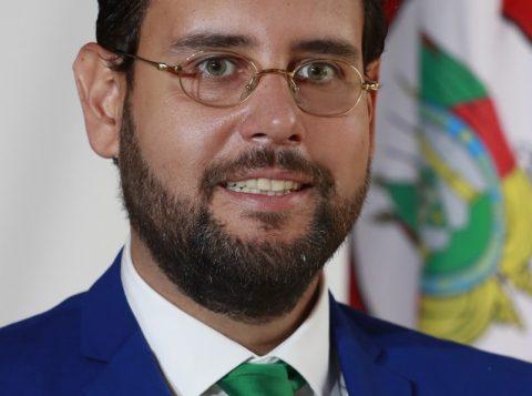 AJE recebe o Secretário Ruy Irigaray para edição especial do projeto Café Político