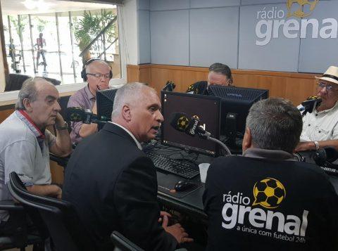 """Presidente do Inter comenta declaração de zagueiro sobre Eduardo Coudet: """"Temos que ter calma em qualquer negociação"""""""