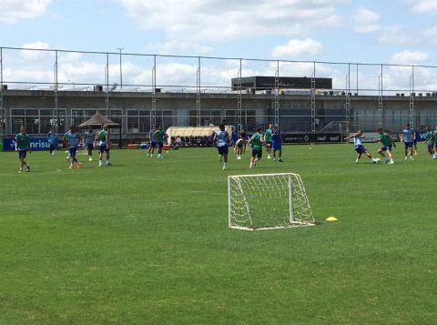 Grêmio tem treino com parte fechada, mas com time encaminhado para pegar o Flamengo