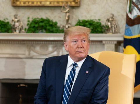 Presidente dos Estados Unidos, Donald Trump, diz que considera testemunhar em processo de impeachment contra ele