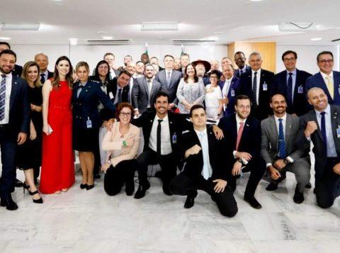 Deputados federais que saírem do PSL para um novo partido poderão perder seu mandato