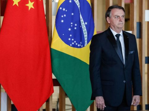 O Brasil está fazendo o dever de casa para se tornar mais atrativo a estrangeiros, diz Bolsonaro