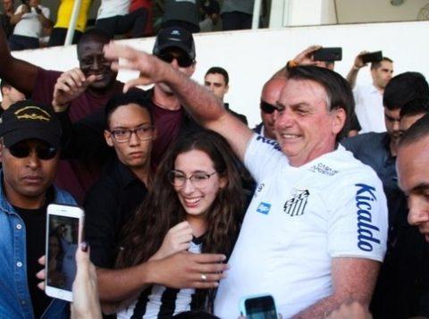 Bolsonaro diz que o PT quer envolver seu filho Carlos na investigação sobre Marielle
