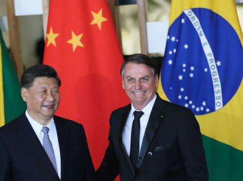 A China colocou à disposição do governo Bolsonaro mais de 100 bilhões de dólares para  investimentos no Brasil