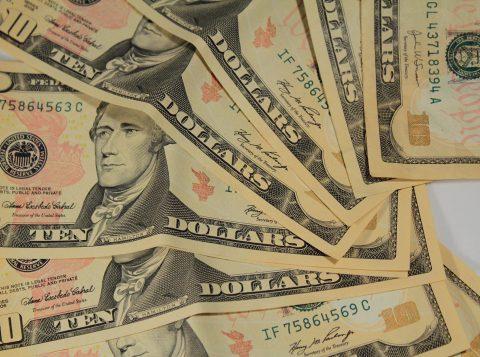 Dólar sobe a 4 reais e 20 centavos o maior valor de fechamento da história