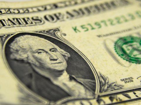Dólar vai a 4 reais e 19 centavos, segundo maior valor nominal da história