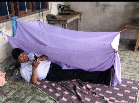 """Evo Morales fugiu """"de maneira covarde"""", diz a presidente interina da Bolívia"""