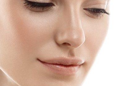 """A """"harmonização facial"""" virou moda nos consultórios. Saiba quais os cuidados e riscos do procedimento"""