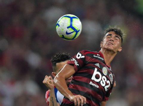 O Flamengo abriu dez pontos de vantagem na liderança do Brasileirão