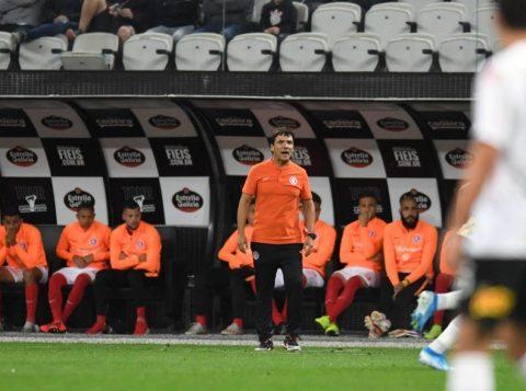 Zé Ricardo enaltece produção do Inter e lamenta empate com o Corinthians