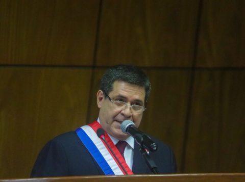Ex-presidente do Paraguai só pode ser preso se perder o foro privilegiado de senador