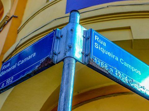 Propostas para instalar placas de ruas serão abertas em janeiro