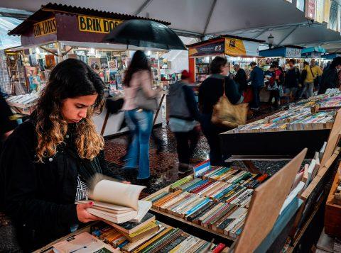 Feira do Livro terá passeio literário do Viva o Centro