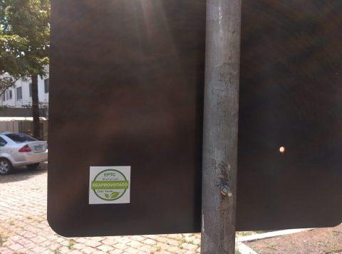 EPTC restaura mais de 700 placas danificadas nas vias em 2019