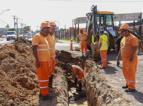 Ações de drenagem na Bernardino Pastoriza, na Zona Norte de Porto Alegre, seguem até segunda-feira