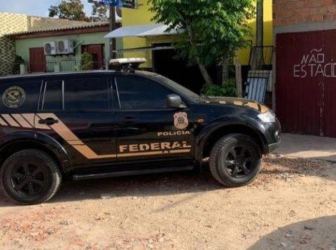 Uma operação da Polícia Federal contra o tráfico internacional de drogas e armas desarticulou uma organização criminosa com ramificações em quatro cidades gaúchas