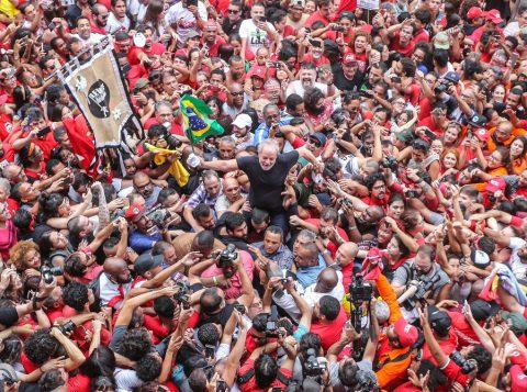 Discurso de Lula frusta partidos de esquerda que esperavam fazer aliança com o PT