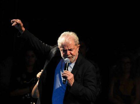 """""""A direita aprendeu a usar as redes sociais mais que nós"""", disse Lula"""