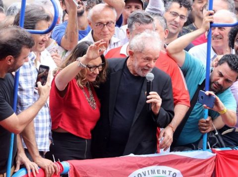 O anúncio do casamento de Lula precipitou o pedido de demissão no emprego de sua namorada