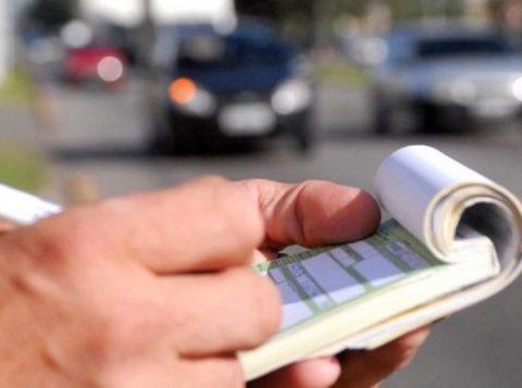 Recorrer de multa de trânsito é direito garantido a todo motorista