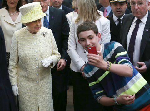 Cinco coisas que você deve evitar quando estiver na frente da Rainha da Inglaterra
