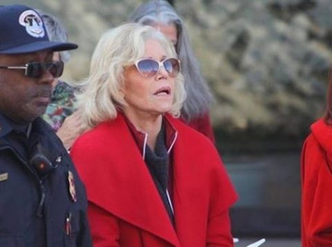"""A atriz Jane Fonda descreve a noite em que ficou presa: """"Só eu e as baratas"""""""