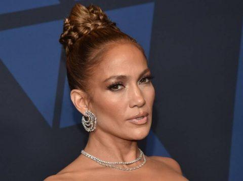Jennifer Lopez relembra assédio de diretor que pediu para ver seus seios
