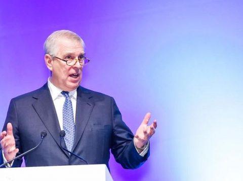 Escândalo sexual do príncipe Andrew ofusca a campanha eleitoral britânica