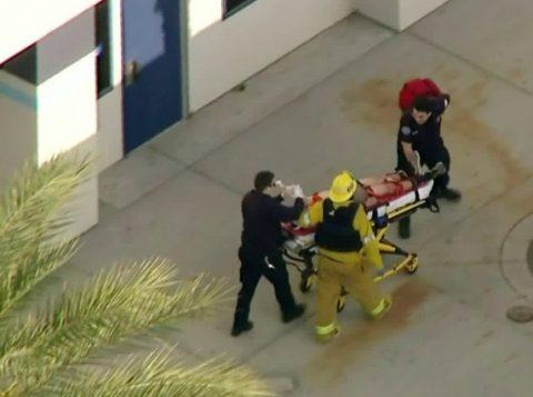 Um adolescente matou a tiros dois colegas e feriu gravemente outros três em uma escola nos Estados Unidos